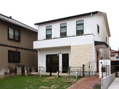 足立区注文住宅 漆喰の家外観