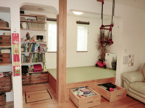 アール壁 小上がりの畳コーナー